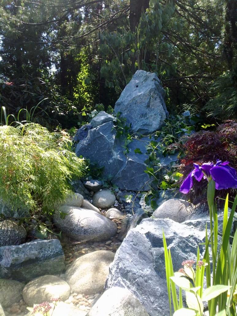 strumien w ogrodzie 3