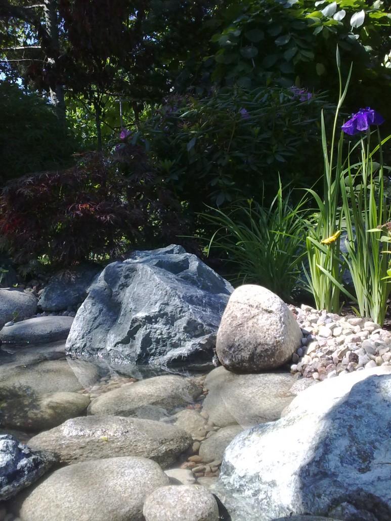 strumien w ogrodzie 4
